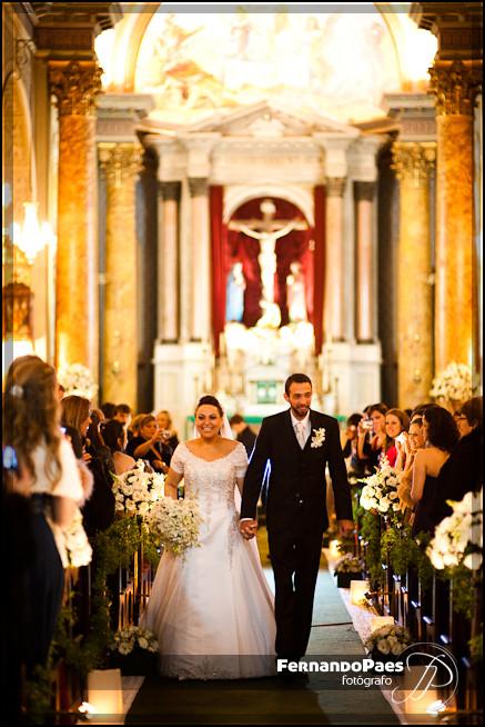 Fotografia de Casamento Preto e Branco - Noiva no Carro - Fernando Paes